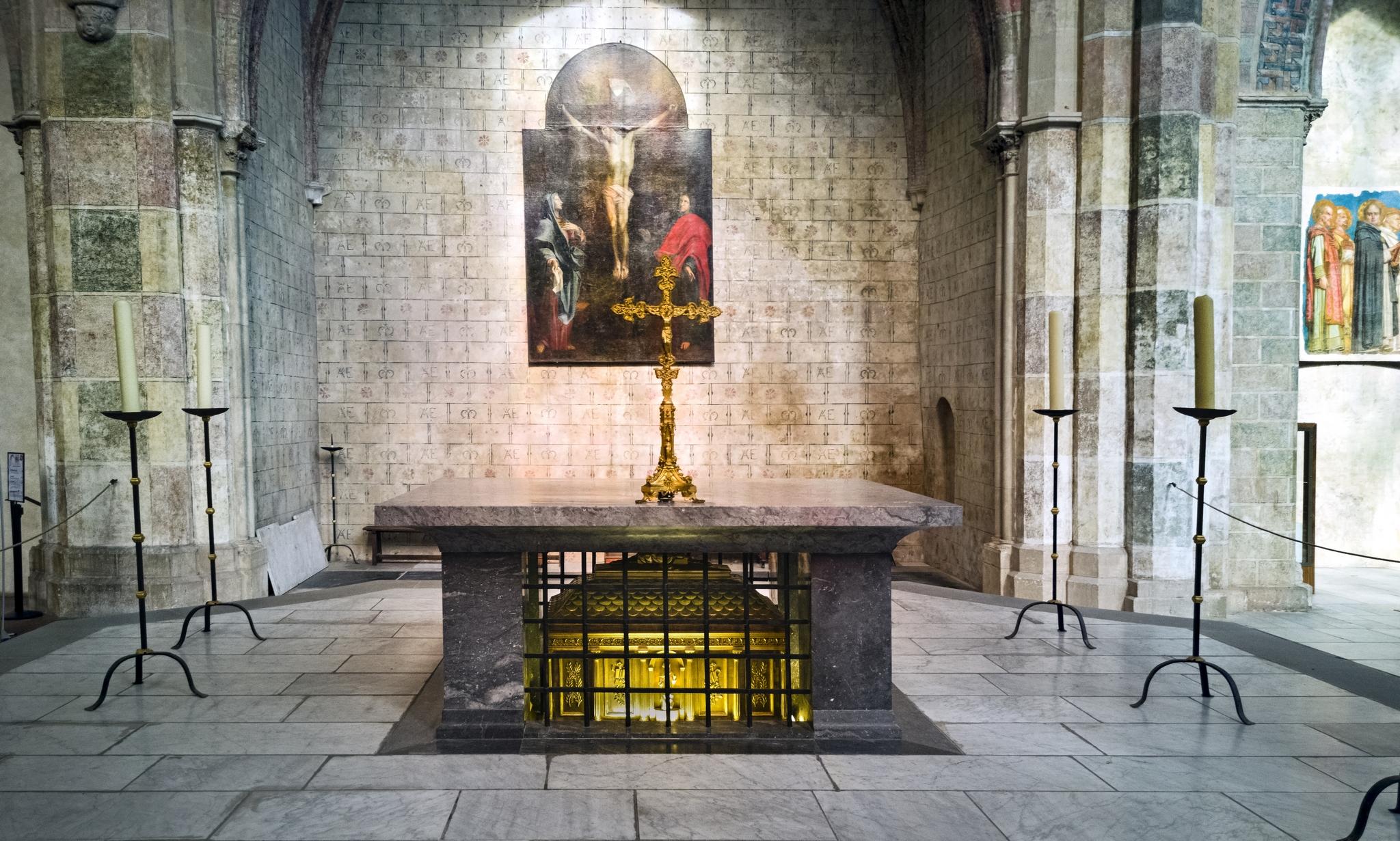 Châsse contenant les restes de Thomas d'Aquin dans l'église des Jacobins, à Toulouse.